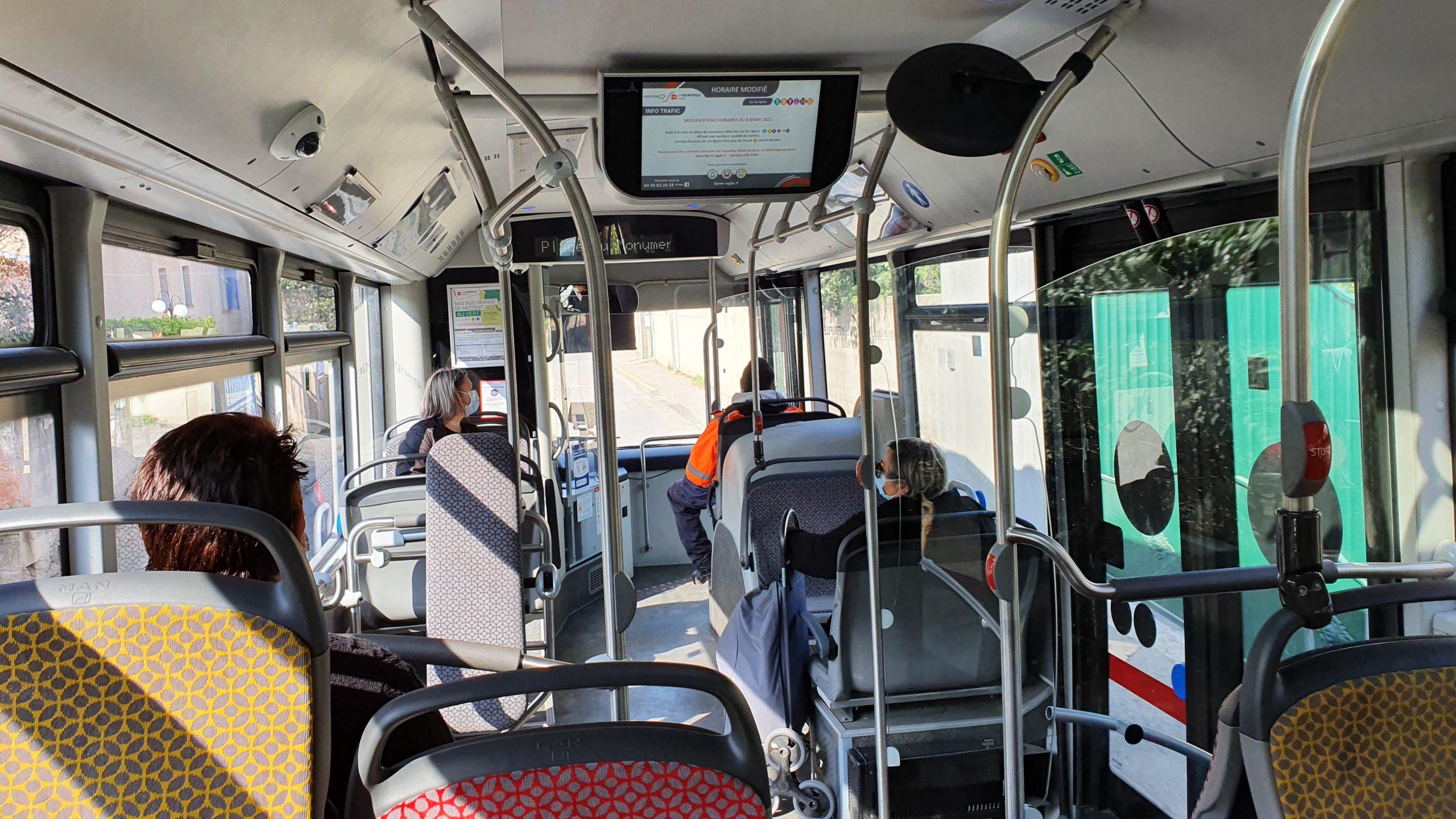 Caméra de surveillance dans les bus